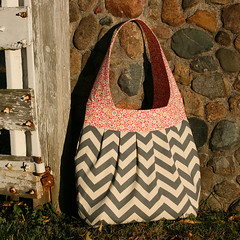 birdie sling 2 (jenny makes stuff) Tags: bag grey gray purse chevron amybutler birdiesling pursepalooza