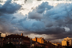 South France: Toulouse (marianyka) Tags: street sky france fire photography toulouse fotografia fotologia photology marianyka marianabenavidez marianykacom