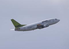 YL-BBE_737_EDDM_7715 (Mike Head - Jetwashphotos) Tags: boeing 737 737500 73753s ylbbe bt bti balticair latvianflagcarrier muc eddm munichairport germany europe barvaria jwp