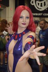 Starfire cosplay at Boston Comic Con 2016 (FranMoff) Tags: costume costumer bostoncomiccon flickr cosplay starfire cosplayer 2016 bostoncomiccon2016