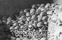 Napoli - Cimitero delle Fontanelle (The Fontanelle cemetery in Naples) (Franco Santangelo (thx for 800.000+ views)) Tags: italy bw naples bones skull photography canon sigma eos600d history museum religion