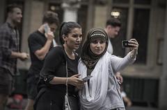 The Selfie Generation (Tom Cuppens) Tags: brussel straatfotografie photographiederues streetphotography people bruxelles brussels