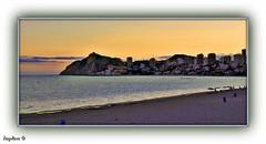 CUANDO CAE LA TARDE (Angelines3) Tags: nwn atardecer mar cielo playa alicante costablanca comunidadvalenciana benidorm nubes