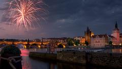 Prague, Karluv Most (Michele Castellano) Tags: pragaagosto2016 prague praha bridge ponte carlo fires moldova