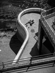 20160830_summer_hols_0395-Edit.jpg (Richard Jane) Tags: devon tinside youngcouple summer streetphotography plymouth sunshine blackwhite