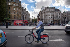 Posh Commuter (cuppyuppycake) Tags: london commuter trafalgar square westminster 2016 nikon d7200 outdoors cloudy sky memories september santander