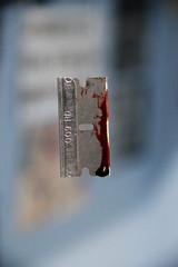 teenage problems (Leo Leguizamon) Tags: canon blood sharp cutting bloody problems sangre teenage problemas sangriento 550d afilado cortante adolecentes