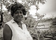 Buka market, Bougainville, Papua New Guinea (Eric Lafforgue) Tags: portrait woman face island femme culture tribal png tradition papuanewguinea visage oceania bougainville 巴布亚新几内亚 oceanie papuaneuguinea papuanuovaguinea パプアニューギニア papouasienouvelleguinée papouasienouvelleguinee papuaniugini papoeanieuwguinea papuásianovaguiné papuanyaguinea παπούανέαγουινέα папуановаягвинея papúanuevaguinea 巴布亞紐幾內亞 巴布亚纽几内亚 巴布亞新幾內亞 paapuauusguinea ปาปัวนิวกินี papuanovaguiné papuanováguinea папуановагвинеја папуановагвинея papuanowagwinea papuanugini papuanyguinea 파푸아뉴기니 tribetribu png5956