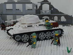 T34 winter camo (BeLgIuM ww2 bUiLdeR) Tags: world 2 war lego russia front ii german ww2 vs eastern russians t34 t3476 pak36