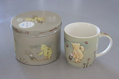 Classic Pooh mug and box (Lucychan80) Tags: winniethepooh ehshepard classicpooh