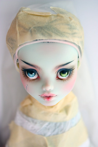 Monster High Frankie Stein Repaint *PREVIEW*