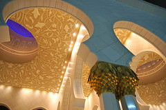 Sheikh Zayed Grand Mosque Abu Dhabi UAE (Mathias Apitz (München)) Tags: road car museum marina mall gold aquarium al dubai bur yacht united grand mosque emirates zayed khalifa arab souk abu dhabi mathias emirate deira sheik jumeirah dhow burj maybach moschee etihad vereinigte arabische apitz