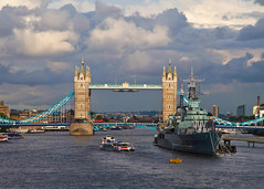Storm clouds gathering (trickyd3) Tags: bridge london clouds battleship dramaticsky stormclouds towerbridgelondon londonintherain