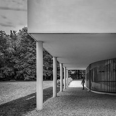 Villa Savoye (Chimay Bleue) Tags: bw white house black architecture modern design noir modernism moderne international maison savoye blanc corbusier internationale corbu architecte poissy