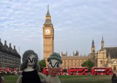 Robbiedoll & Alzeydoll visit their pal Ben. (Allan Henderson) Tags: robbiedoll alzeydoll big ben london parliament dolls knitting knitted alterego alter ego avatars