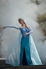DSC_0324 (photosbyjenna) Tags: disney disneyworld world wdw waltdisneyworld magic kingdom magickingdom tangled frozen anna elsa mickey mickeymouse minnie donald goofy rapunzel flynn
