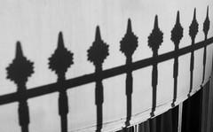 Cysgodion / Shadows - Brighton (Rhisiart Hincks) Tags: duagwyn gwennhadu dubhagusgeal dubhagusbn zuribeltz czarnobiae blancinegre blancetnoir blancoynegro blackandwhite  bw feketefehr melnsunbalts juodairbalta negruialb siyahvebeyaz rnoinbelo    zwartenwit mustajavalkoinen crnoibelo ernabl schwarzundweis