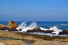 Playa de la Arna (laura.garcia.gustems) Tags: playa rocas olas romper pilagos cantabria acantilados farallones mar marcantabrico crashing waves