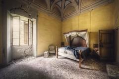 (satanclause) Tags: abbandonato castello castle abandoned oputn zmek italy itlie urbex hdr bedroom