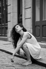 Portrait de femme : Nati (LACPIXEL) Tags: femme mujer woman portrait retrato fminit feminidad noiretblanc blackandwhite blancoynegro nikon nikofrance d4s fx flickr lacpixel rue street calle