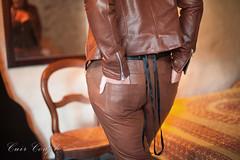 elle264 (Cuir Couple) Tags: cuir leder leather cuero veste jacket jupe skirt pantalon pant hosen mistress maitresse cuissardes matre master bondage bdsm cravache martinet