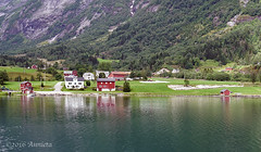 Sognefjord (NO) ( Annieta ) Tags: annieta juli 2016 sony a6000 holiday vakantie vacances noorwegen norway norvge sognefjord gjord water sea mer red rood huis house bergen mountain reflection reflectie spiegeling allrightsreserved usingthispicturewithoutpermissionisillegal