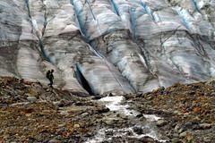 Fieldwork (Dru!) Tags: seabridgejune2016 mitchellglacier stream fieldwork hydrology glacier mass balance statluenvironmental statluenvironmentalconsulting statlu boundaryranges coastmountains bc britishcolumbia canada