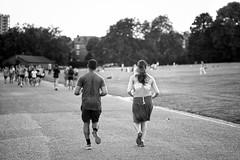 Evening Run (Foto John) Tags: leicam240 leicam leica leicamtyp240 rangefinder elmaritm90mm28 manual blackwhite blackandwhite blackandwhitethatsright monochrome streetphotography people runners joggers parliamenthill hamsteadheath london uk