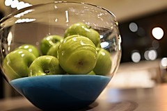 Stock: Large Hand Blown Glass Bowl Dipped in Blue Paint Holding Green Apples (Lynn Friedman) Tags: roomandboard design decor sanfrancisco artshow lynnfriedman 94103 stock stockfav glassbowl greenapples display home event elegant affluent interiordesign food