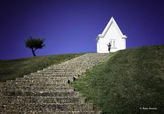 LINEAS (begonafmd) Tags: faro escalera ligth house hierba azul cielo verde minimalismo arquitectura lineas euskalherria