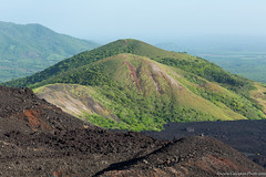 20. Cerro Negro we are back, Nicaragua-5.jpg (gaillard.galopere) Tags: 2016 5d 5dmkiii apn america amrique canon compositionettypedephoto continentsetpays couleur ef eos extrieur mkiii ni nic nicaragua travel volcan ameriquecentrale anne ash canonphotography cendres cerronegro color colorful green out outside roche verde vert volcanes volcano