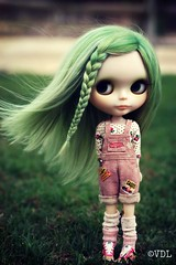 Love her!!!  (Voodoolady ) Tags: pink cute green alpaca girl smile wearing socks hammer by angel hair happy shoes doll lily wind leg windy tools nike fantasy overalls blythe firestone custom warmers ever mechanic sneaky braid  iloveher reroot sukra