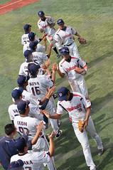 DSC04397 (shi.k) Tags: 横浜スタジアム 東京ヤクルトスワローズ 120608 イースタンリーグ ハイタッチ