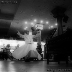 Derviches (m@®©ãǿ►ðȅtǭǹȁðǿr◄©) Tags: blackandwhite bw blancoynegro canon turkey monocromo dance danza türkiye istanbul sufi turquia dervishes estambul whirlingdervishes alemdar canonefs1855mmf3556 derviches canoneos400ddigital m®©ãǿ►ðȅtǭǹȁðǿr◄© fotosdeturquia fotosdeestambul marcovianna imagenesdeestambul