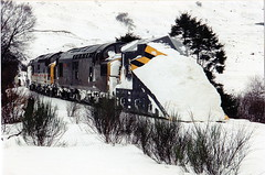 37088-37430 at crianlarich (47604) Tags: snow scotland highlands snowplough whl crianlarich westhighlandline class37 37088 37430 alltypesoftransport