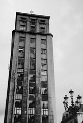 rascacielos de La Naja (ines valor) Tags: muelle bilbao rascacielos bailén arquitectos lanaja manuelignaciogalíndez josémaríachapa