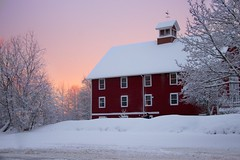 Red House Redux (Dan:Brown) Tags: winter sunset storm aperture canon20d snowhouse