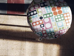 (Svenjanein) Tags: lisboa light lichtraum lightroom kitchen kche stool hocker schn portugal ambiente sonnenschein sunlight sunnyday furniture mbel