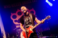 Who Killed Bruce Lee @ Watt En Schlick Fest 2016 / Dangast (SAD_20160729_NKN0768) (seven-oaks.de [Sven A. Droste]) Tags: 2016 20160729 band bhne bhnenfoto bhnenfotografie bhnenfotos dangast fotografie gitarre gitarrist instrument instrumente kapelle konzert konzertfoto konzertfotografie konzertfotos livefoto livefotos livemusik musik musiker musikfotografie musikgruppe sdroste svenadroste svendroste snger sngerin wattenschlickfest whokilledbrucelee concert concertphotography concertpicture concertpictures guitar guitarplayer guitarrist httpwwwsevenoaksde instruments intrument livemusic music musicgroup musicphotography musicpicture musicpictures musician photography sevenoaksde show stage stagephotography stagepicture stagepictures vocalist vocals wwwsevenoaksde