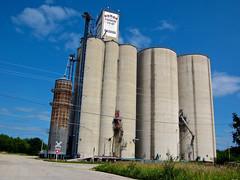Farmer's Co-Op Elevator, Nashua, IA (Robby Virus) Tags: nashua iowa farmers coop grain elevator building agriculture farm farming