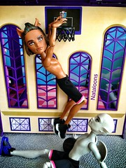 Slam Dunk! (Nataloons) Tags: school basketball monster stone ball one high slam wolf doll basket gargoyle mattel gerard playset dunk oneonone clawd createamonster monsterhigh casketball clawdwolf