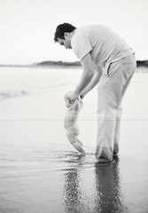 Daddy Daughter Moment (Heidi Hope) Tags: rhodeisland childrensphotographer rhodeislandphotographer heidihopephotography heidihope httpwwwheidihopecom rhodeislandportraitphotographer rhodeislandfamilyportraits rhodeislandchildrenportraitphotography rhodeislandbabyportraitphotography