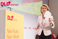 "DLD*women12 conference Munich - ""New Rules, New Values"" - Germany July, 11-12, 2012 flohagena.com/DLD*12 (DLD Conference) Tags: digital germany munich google women rules company conference msn 2012 facebook values dld 10july 11july ursulavonderleyen 12july"