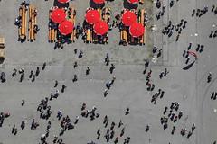 Two Wheelie Bins (Aerial Photography) Tags: red people rot by munich mnchen aerial menschen m luftbild luftaufnahme theresienwiese obb sonnenschirm 05072008 fotoklausleidorfwwwleidorfde rewefamiliysommerfest 1ds12044