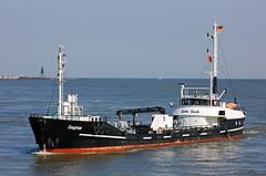 Tankboot DAGMAR vor Cuxhaven (Wolfgang.W. ) Tags: dagmar tanker bunkerboot hansrinck hamburg schiff shi elbe cuxhaven