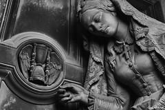 D (Gerhard Busch) Tags: alt figur friedhof genua italien kunst marmor staglieno stein figuren marode