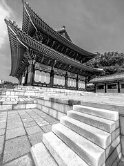 "Korean palace temple • <a style=""font-size:0.8em;"" href=""http://www.flickr.com/photos/44919156@N00/29535336955/"" target=""_blank"">View on Flickr</a>"