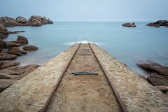 Ready to dive ? (Christophe A.) Tags: water sea ctesdarmor snsm ploumanach longexposure expositionlongue bretagne nikon d7100 landscape paysage seascape