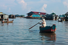 Tonle Sap Life 3 (Balthear) Tags: travel lake silhouette children landscapes cambodia southeastasia khmer monk angkorwat unesco worldheritagesite peoples temples tonlesap basrelief rayoflight siamreap ancientruins streetsphotography canon500d