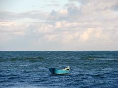 ♥ só preciso dizer: amo-te!! (Ruby Ferreira ®) Tags: brasil boat barco céu nuvens atlanticocean oceanoatlântico sunnyday pontaldopebaal